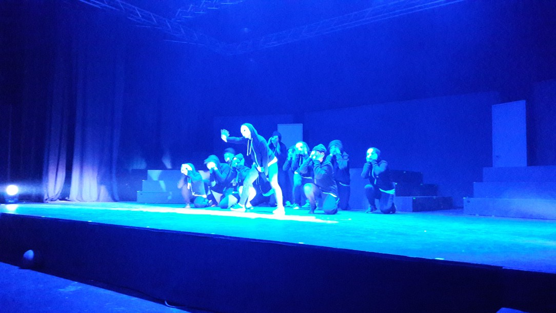 Danse hold teaterkoncert